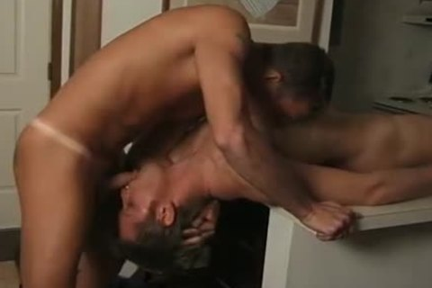 A homo Cop Has A Detainee engulf His large cock