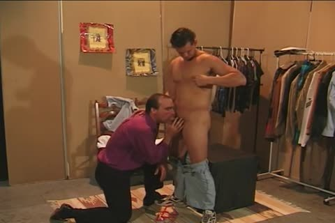 Collin Jennings bonks Bruce Hill In A Dressing Room