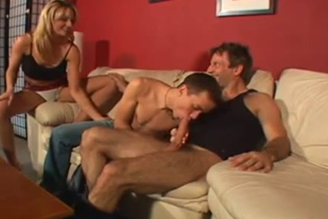 naughty ambisexual Male+Male+Female on The daybed