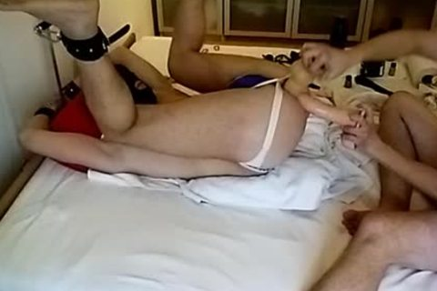 Testing The recent toys, A Spreaderbar, A biggest 8cm monstrous fake penis And A admirable Fist :-)