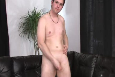 Shorthaired lad's Legs Are widen Open And His knob Is subrigid As A Rock