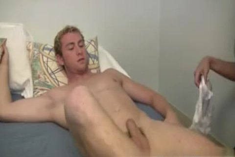 Broken Seal First homo Sex pictures Mr. Hand have a fun