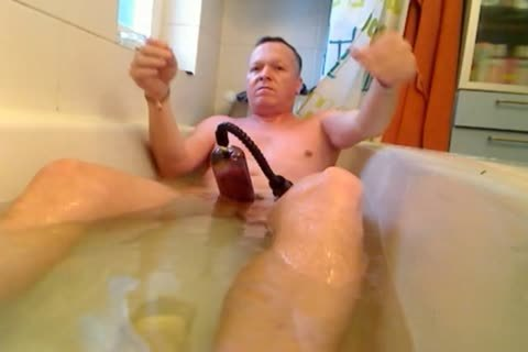 Pumping, Stretching, Cumming In The Tub