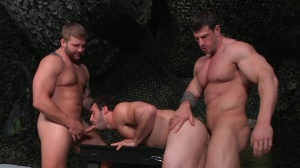 tour Of Duty - Zeb Atlas and Colby Jansen ass pound