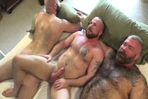 two Muscle Bear Daddies nude pound A Cub