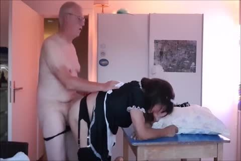 Maid Sissy Cleans house Sucks 10-Pounder acquires screwed