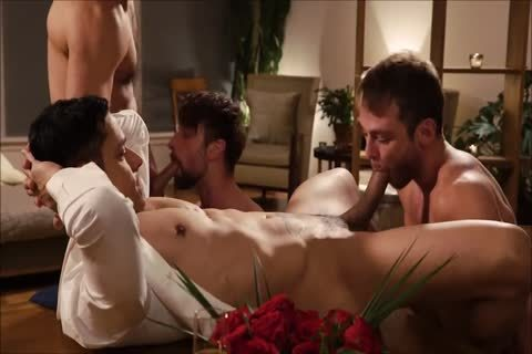 Four delicious Hunks raw