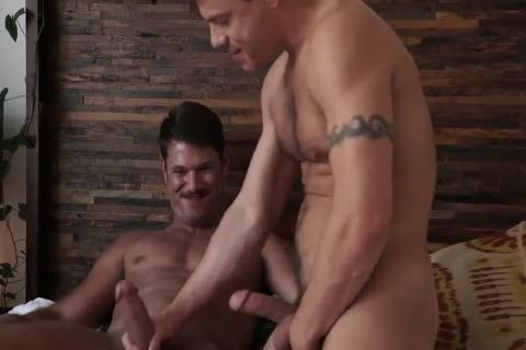 Jesse Santana fucks His friend Tyler Roberts in nature's garb