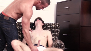 FamilyDick.com - Muscle Travis Berkley need sloppy fucking