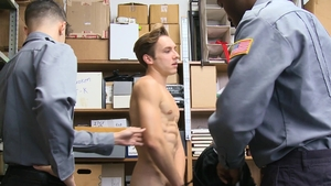 YoungPerps - Officer Alex Rim helps with ramming hard