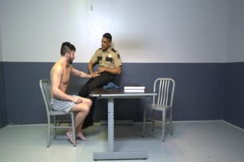 Hunky Suspect Sucks penis To Avoid Jail