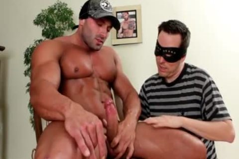 Muscle dude Sucked And sperm In face hole.  ramrod Worship Paradise !