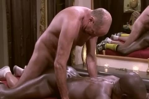 White Daddy Massages And Barebacks dark Muscle lad