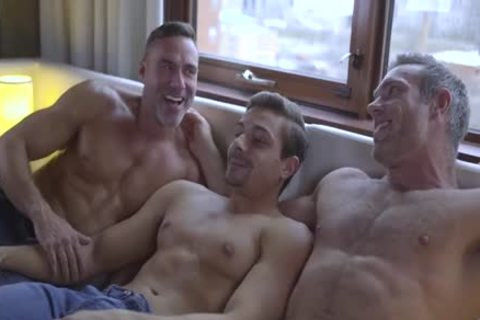 DP: Alex Mecum, Carter Dane & Manuel Skye
