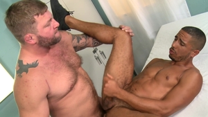 MenOver30.com: Bear Mike Maverick impressed by Colby Jansen