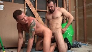 Dylan Lucas - Muscle Max Sargent condom masturbation rimming
