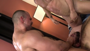 PrideStudios: Muscled Riley Mitchel gay threesome video