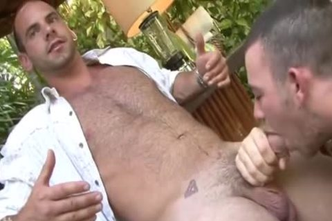Two homosexual males, Outdoor blow job