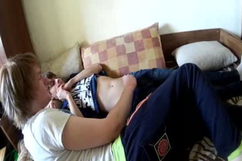 youthful, homo friends Cuddle And Hump Until A goo flow