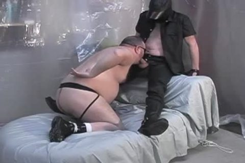 Masked lad acquires his knob sucked by bear